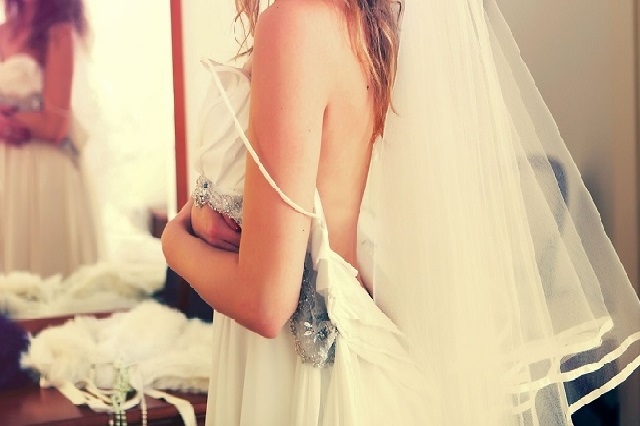 weddings-632734_1280