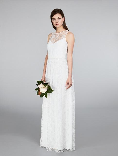 1cbe25f2b54eb ... pronti ad essere indossati da moderne principesse nel giorno del  matrimonio. Così le creazioni della collezione Bridal 2018 proposte dal  brand Max Mara ...